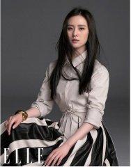 刘诗诗黑长直造型大片曝光 穿长裙优雅随性