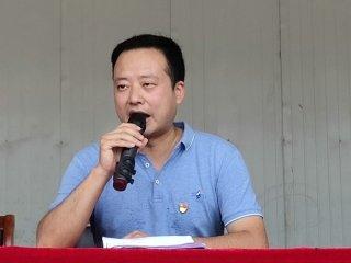 二郎镇万庄村党支部召开优秀党员表彰大会