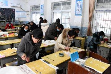 """潢川县举办首届教师""""三笔字""""比赛和学生钢笔字比赛"""