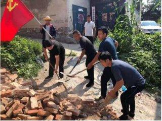 安阳铜冶镇:党员干部勇当抢险救灾急先锋